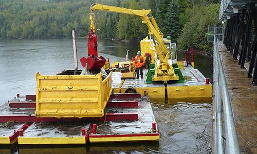 dragage-dredging-barge